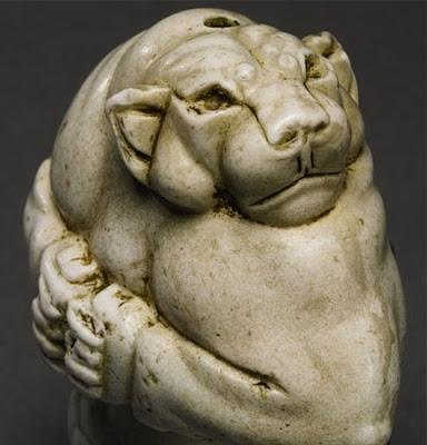 guennol-lioness