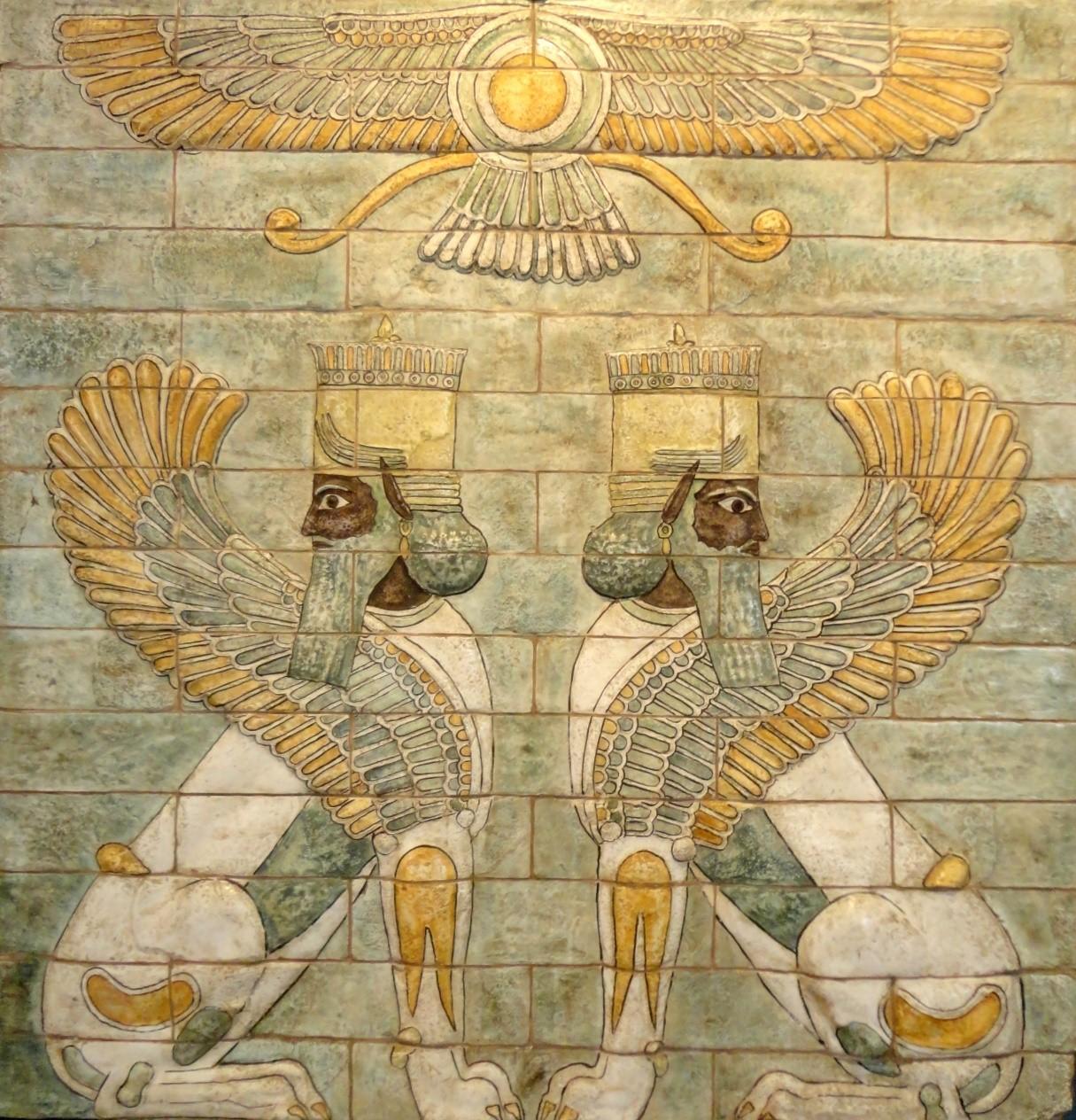 Двустранна симетрия при сфинксовете от двореца на цар Дарий I, Суза.